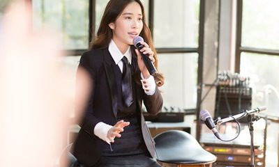Nam Em bất ngờ hát tiếng Thái, giới thiệu MV mới ở Bangkok sau ồn ào với Trường Giang