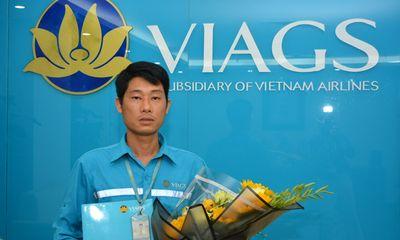 Nhặt được túi xách chứa hơn 1 tỷ đồng, nhân viên hàng không trả lại khách