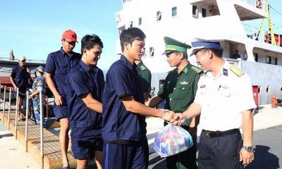31 ngư dân gặp nạn trên biển đã vào bờ an toàn