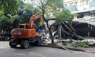 """Hà Nội: Cưỡng chế hàng loạt công trình không phép trên """"đất vàng"""" Phan Kế Bính"""