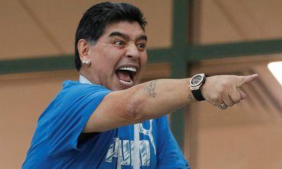 Trước trận đại chiến Argentina – Pháp: FIFA cảnh cáo Maradona
