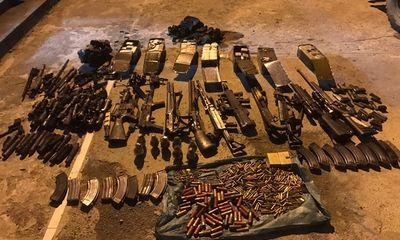 Phát hiện kho vũ khí số lượng lớn tại hang ổ của trùm ma túy ở Lóng Luông