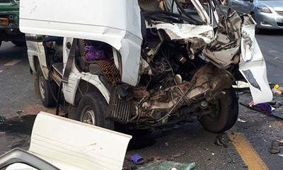 Xe hổ vồ đấu đầu ô tô 7 chỗ, 5 người bị thương nặng