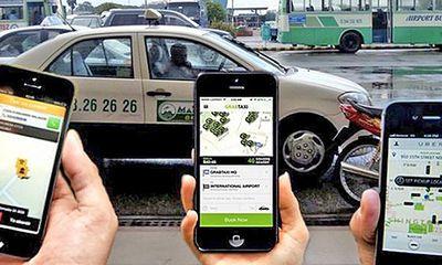 Khốc liệt cuộc chiến taxi công nghệ, người dùng hưởng lợi