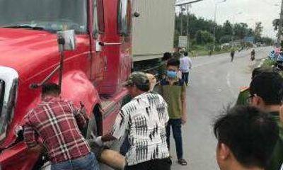 Đồng Nai: Tông trực diện xe đầu kéo, người đàn ông đi xe máy tử vong tại chỗ