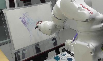 Bất ngờ trước những bức tranh do robot vẽ
