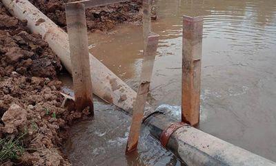 Hà Nội: Tuyến ống nước sạch đang bị rò rỉ