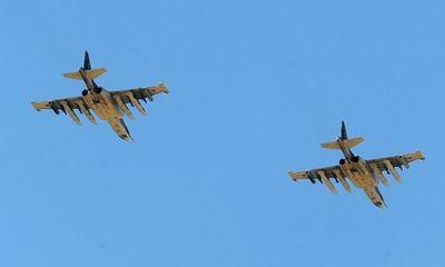 Người dân Nga choáng váng khi thấy chiến đấu cơ diễn tập hạ cánh trên con đường đông đúc
