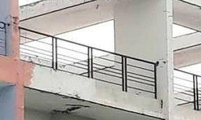 Bàng hoàng phát hiện nam thanh niên treo cổ trên sân thượng chung cư