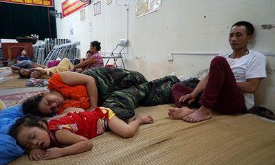 Vụ cháy ở Đê La Thành: Xót xa cảnh người dân nằm ngủ dưới nền đất lạnh