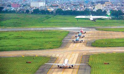 Nguy cơ đóng cửa đường băng tại sân bay Tân Sơn Nhất và Nội Bài