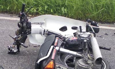 Tin tai nạn giao thông mới nhất ngày 20/9/2018: Đấu đầu xe khách, 2 thanh niên tử vong