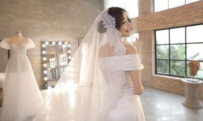 Loạt ảnh Nhã Phương thử váy cưới trước hôn lễ ra mắt công chúng