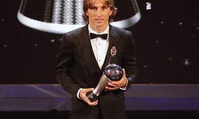 Luka Modric giành giải Cầu thủ xuất sắc nhất FIFA, chấm dứt kỷ nguyên thống trị của Ronaldo, Messi?