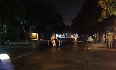 Vụ đối tượng ôm lựu đạn cố thủ trong nhà: Gần 200 cảnh sát vây bắt