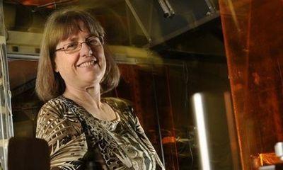 Xuất hiện người phụ nữ đầu tiên giành giải Nobel Vật lý sau hơn nửa thế kỷ