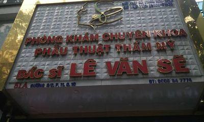 Thẩm mỹ viện Bác sỹ Lê Văn Sẽ mời khách thực hiện thủ thuật không phép