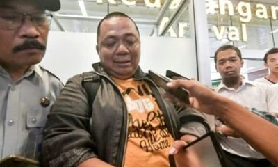1 quan chức thoát nạn vụ máy bay rơi ở Indonesia vì tắc đường