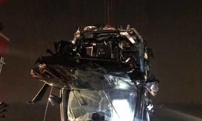 Tin tai nạn giao thông mới nhất ngày 6/11/2018: Xác minh người đàn ông có CMND trên Mercedes rơi xuống sông Hồng