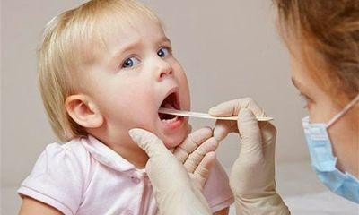 7 bài thuốc dân gian điều trị dứt viêm họng cho trẻ