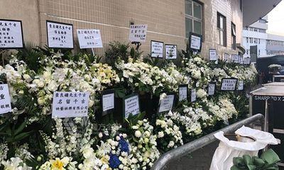 Nhiều nghệ sĩ và người nổi tiếng Trung Quốc gửi hoa viếng tang lễ Kim Dung