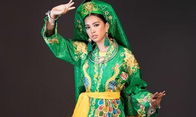 Hoa hậu Tiểu Vy mang điệu múa chầu văn đến Miss World 2018