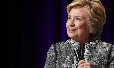 Tổng thống Trump từng muốn truy tố bà Hillary Clinton và cựu giám đốc FBI
