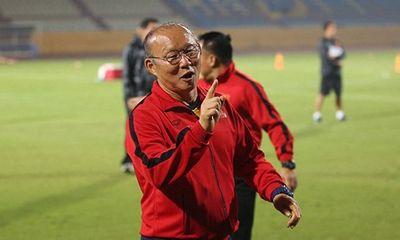 HLV Park Hang-seo thay đổi kế hoạch cho bán kết AFF Cup vì bão số 9