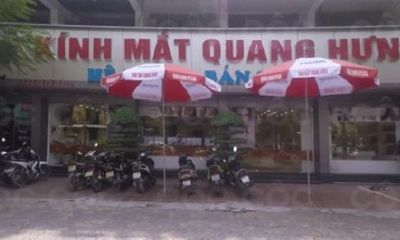 """Toàn cảnh - Rầm rộ thị trường kính mắt """"vàng thau lẫn lộn"""": Kính mắt Quang Hưng thừa nhận bán hàng Trung Quốc, thiếu giấy tờ"""