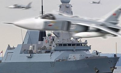 Thực hư việc Nga điều 17 chiến đấu cơ áp sát đội tàu NATO