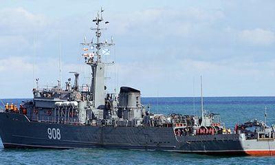 Căng thẳng leo thang với Ukraine, Nga điều tàu hải quân về điểm nóng Azov