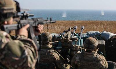 Ukraine đưa quân tập trận gần biển Azov giữa căng thẳng với Nga