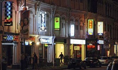 Triệt phá đường dây mại dâm lừa bán 100 phụ nữ Trung Quốc sang Singapore