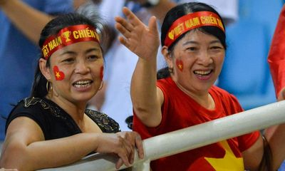 Văn Đức, Trọng Hoàng chi tiền mua vé cho cả nhà đi tiếp lửa đội tuyển Việt Nam