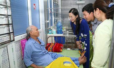 Á hoàng Doanh nhân Việt Nam Nguyễn Thụy Oanh: Chia sẻ những yêu thương – Từ thiện từ cái tâm