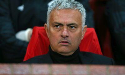Jose Mourinho: Đừng hỏi tôi bất cứ điều gì liên quan đến M.U nữa