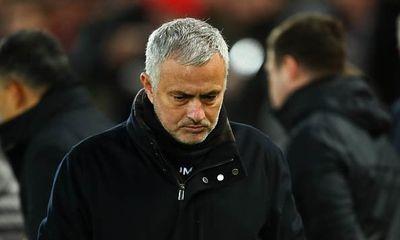 Hé lộ 4 ngôi sao đứng sau thao túng màn kịch ép MU sa thải Mourinho