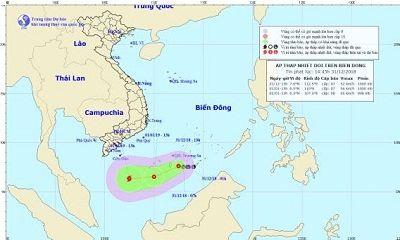 Áp thấp nhiệt đới giật cấp 9 trên Biển Đông áp sát Trường Sa