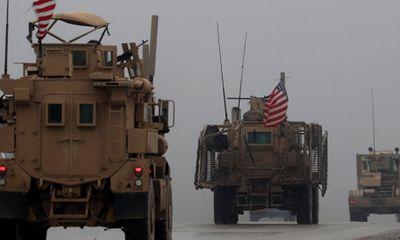 Mỹ bắt đầu rút thiết bị quân sự khỏi Syria, chưa rõ vận chuyển bằng máy bay hay đường bộ