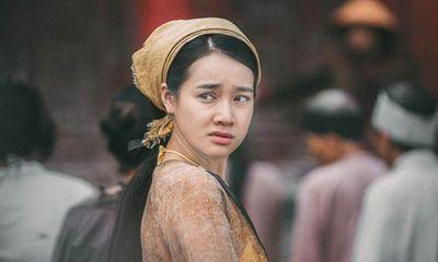 Nhà sản xuất phim lên tiếng xin lỗi Nhã Phương vì thông tin sinh con