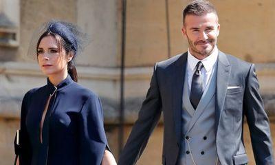 Victoria Beckham giao nhân viên xử lý tin đồn ly hôn: Tôi rất bực bội