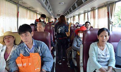 Hàng trăm khách mua vé tàu ở Sài Gòn phải lên tàu ở Bình Thuận