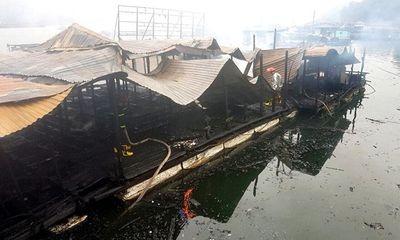 Quảng Ninh: Nhà bè hơn 100m2 bị thiêu rụi trong phút chốc vì bất cẩn khi thắp hương cuối năm