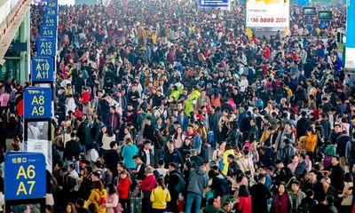 Ám ảnh cuộc di cư khổng lồ về quê ăn Tết ở Trung Quốc