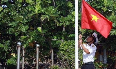 Thiêng liêng Lễ Chào cờ đầu năm trên quần đảo Trường Sa