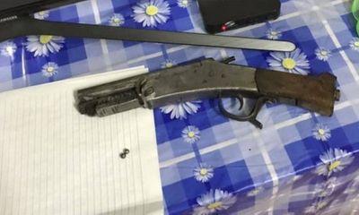 Tin tức pháp luật mới nhất ngày 11/2/2019: Chồng nổ súng vào đầu vợ cũ trong ngày Tết rồi bỏ trốn