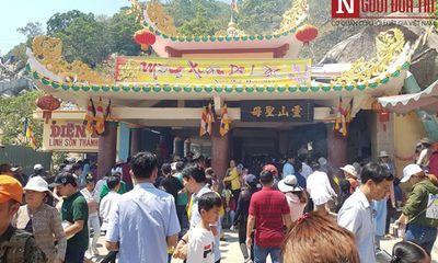 Dòng người đông đúc đổ về viếng lễ chùa Bà Đen ở Tây Ninh