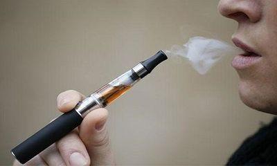 Chuyên gia y tế cảnh báo nguy hại từ thuốc lá điện tử mà nhiều người chưa biết