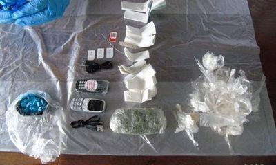 Anh: Kinh hoàng cách mới để tuồn ma túy, điện thoại vào tù của tội phạm