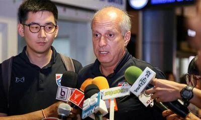 HLV U23 Thái Lan cúi đầu xin lỗi sau khi về nước vì